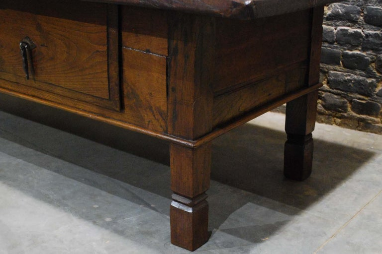 Antique 18th Century Spanish Coffee Table in Solid Chestnut Wood 2