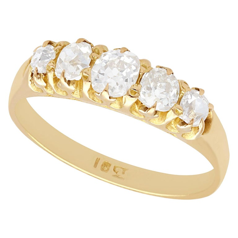 Antique 1900s Diamond and Yellow Gold Five-Stone Ring For Sale