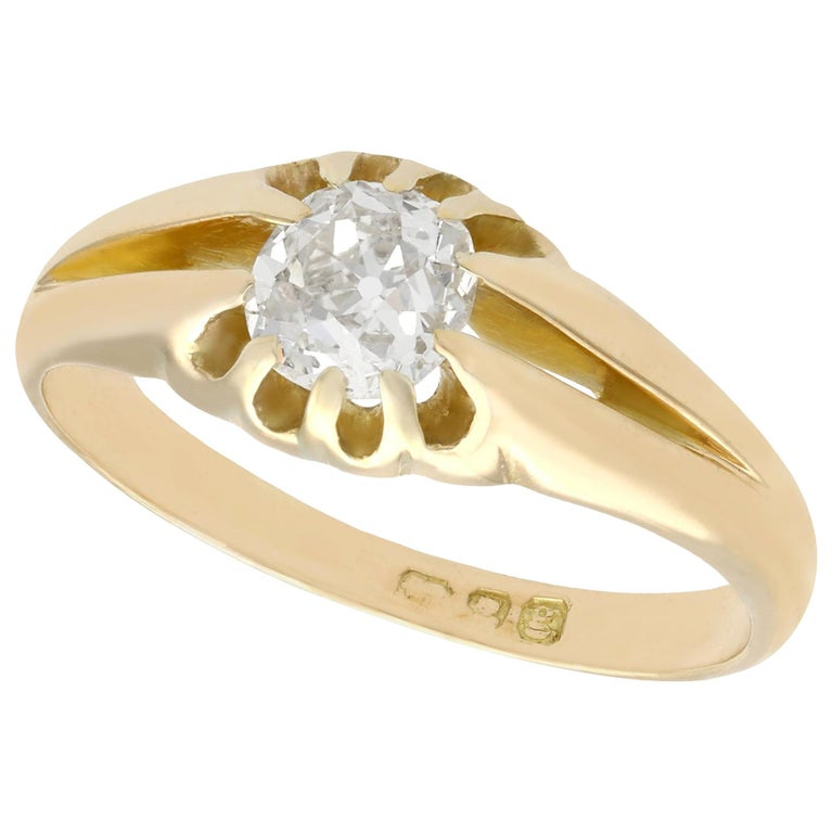 Antique 1900s Diamond and Yellow Gold Ring For Sale