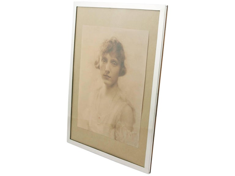 English Antique 1910s Sterling Silver Photograph Frame For Sale