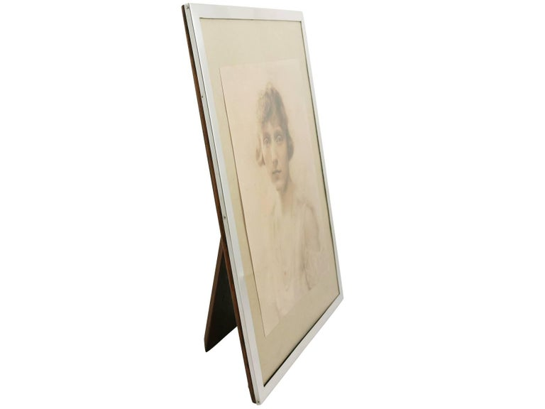 Antique 1910s Sterling Silver Photograph Frame In Excellent Condition For Sale In Jesmond, Newcastle Upon Tyne
