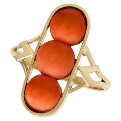 Antique 1920s 3.60 Carat Coral and Yellow Gold Cocktail Ring
