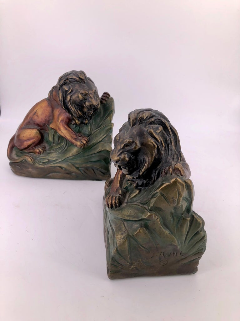 Antique 1920s Armor Bronze Clad Lion Pair of Bookends In Excellent Condition For Sale In San Diego, CA