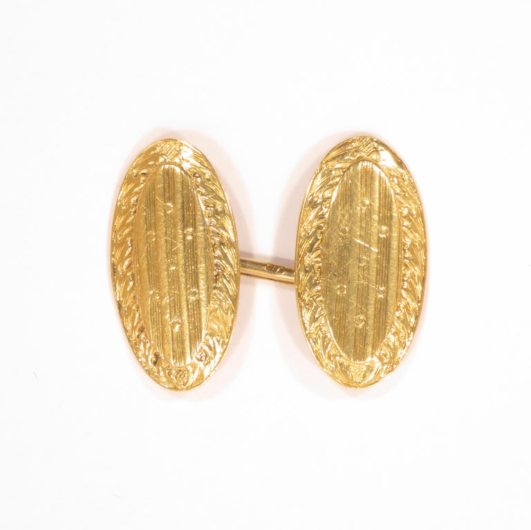 18k gold oval shaped engraved cufflinks. Ovals are 22 X 12 millimeters / 0,866 X 0,472 inches ________________________________________________________________________  Something about Botta Gioielli...  Botta Gioielli is a two generation company.