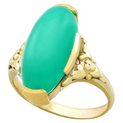 Antique 1930s 6.60 Carat Chrysoprase and Yellow Gold Cocktail Ring