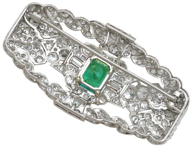 Antique 1.98 Carat Emerald 5.22 Carat Diamond Platinum Brooch In Excellent Condition For Sale In Jesmond, Newcastle Upon Tyne