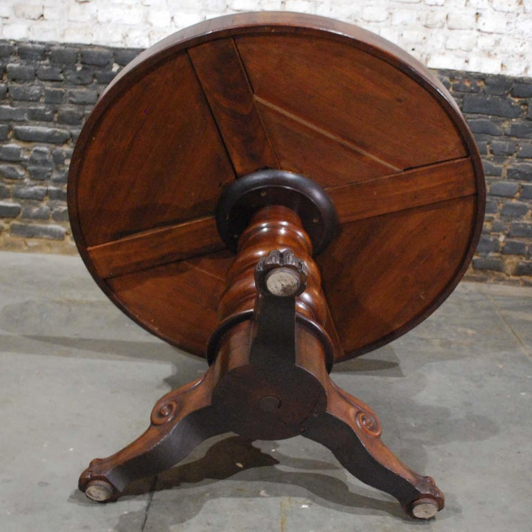 Antique 19th Century Empire Round Mahogany Table with Marble Top For Sale 4