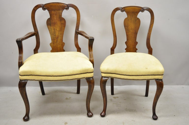 19th Century English Queen Anne Burr Walnut Splat Back Dining Chair, Set of 8 For Sale 8