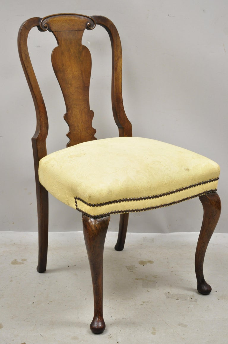 19th Century English Queen Anne Burr Walnut Splat Back Dining Chair, Set of 8 In Good Condition For Sale In Philadelphia, PA