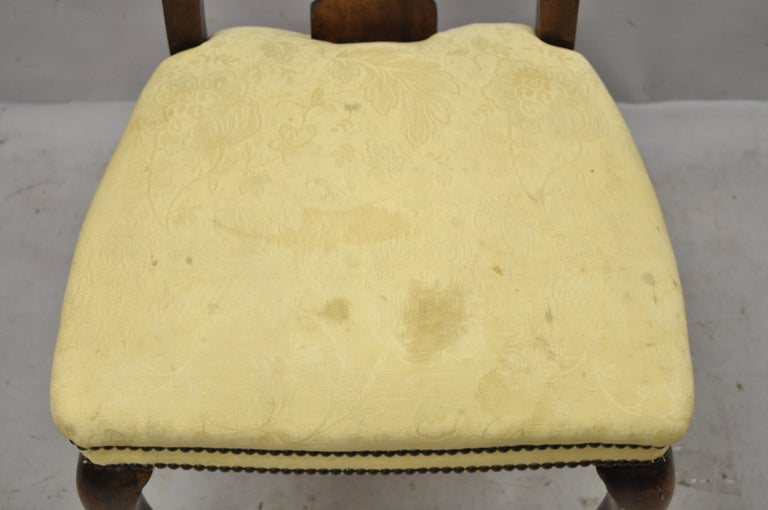 Antique 19th Century English Queen Anne Burr Walnut Splat Back Dining Side Chair For Sale 2