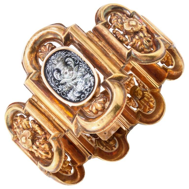 Antique 19th Century 18 Karat Gold Bracelet, circa 1870s For Sale