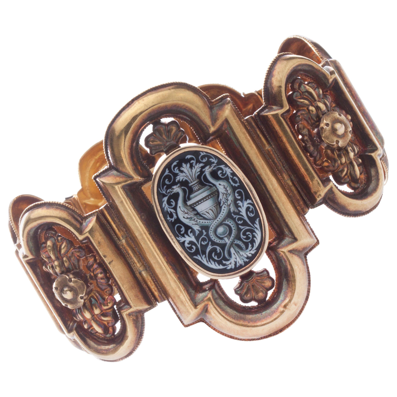 Antique 19th Century 18 Karat Gold Bracelet, Depicting Cornucopia