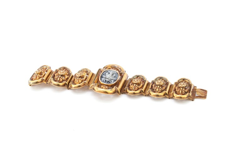 Antique 19th Century 18 Karat Gold Bracelet, circa 1870s For Sale 1