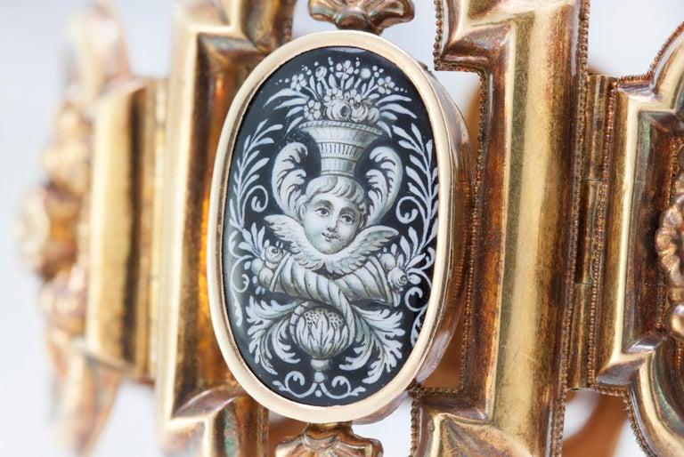 Antique 19th Century 18 Karat Gold Bracelet, circa 1870s For Sale 3