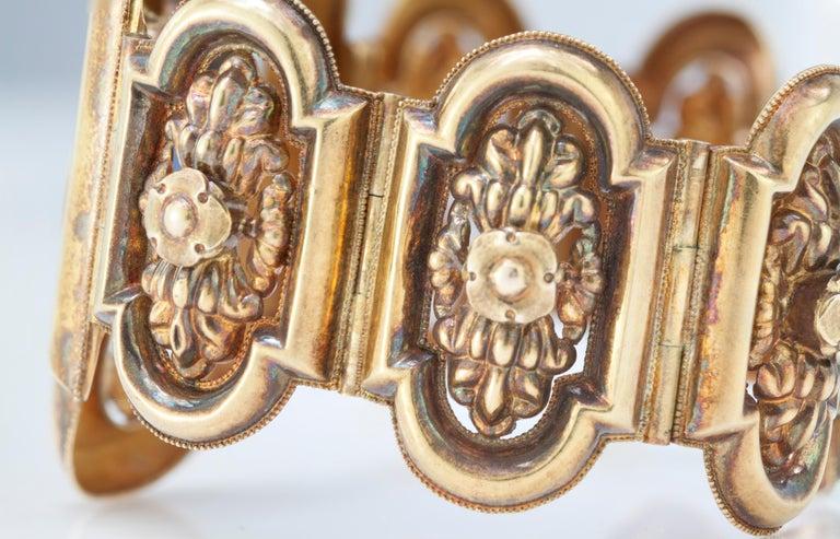 Antique 19th Century 18 Karat Gold Bracelet, circa 1870s For Sale 4