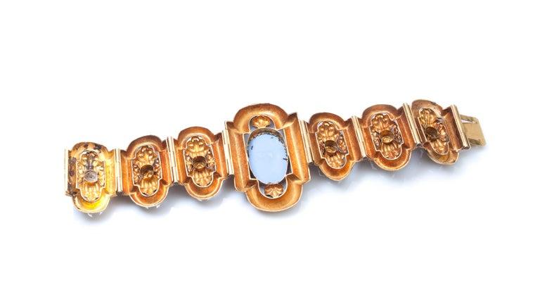 Antique 19th Century 18 Karat Gold Bracelet, Depicting Cornucopia For Sale 1