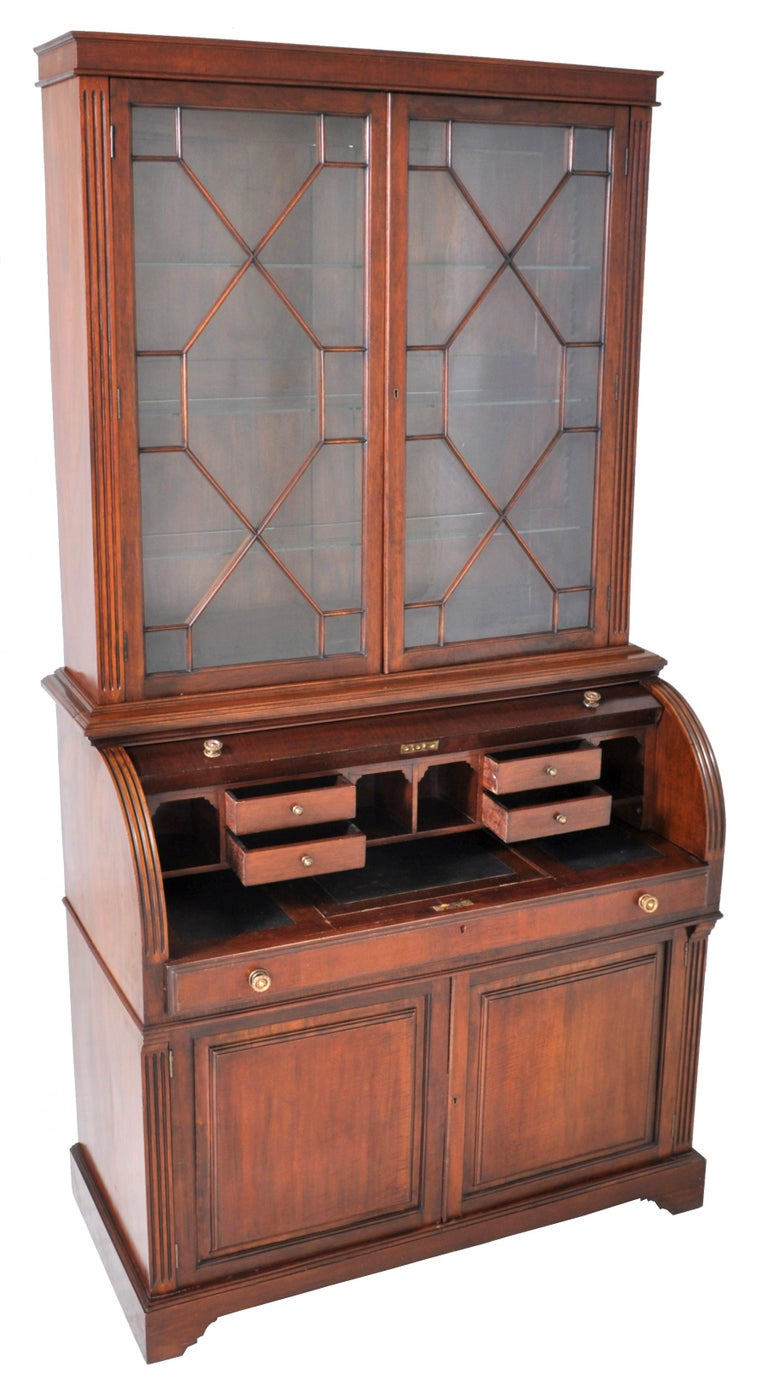 19th Century American Mahogany Cylinder Bookcase/Secretary/Desk, circa 1860 For Sale 6