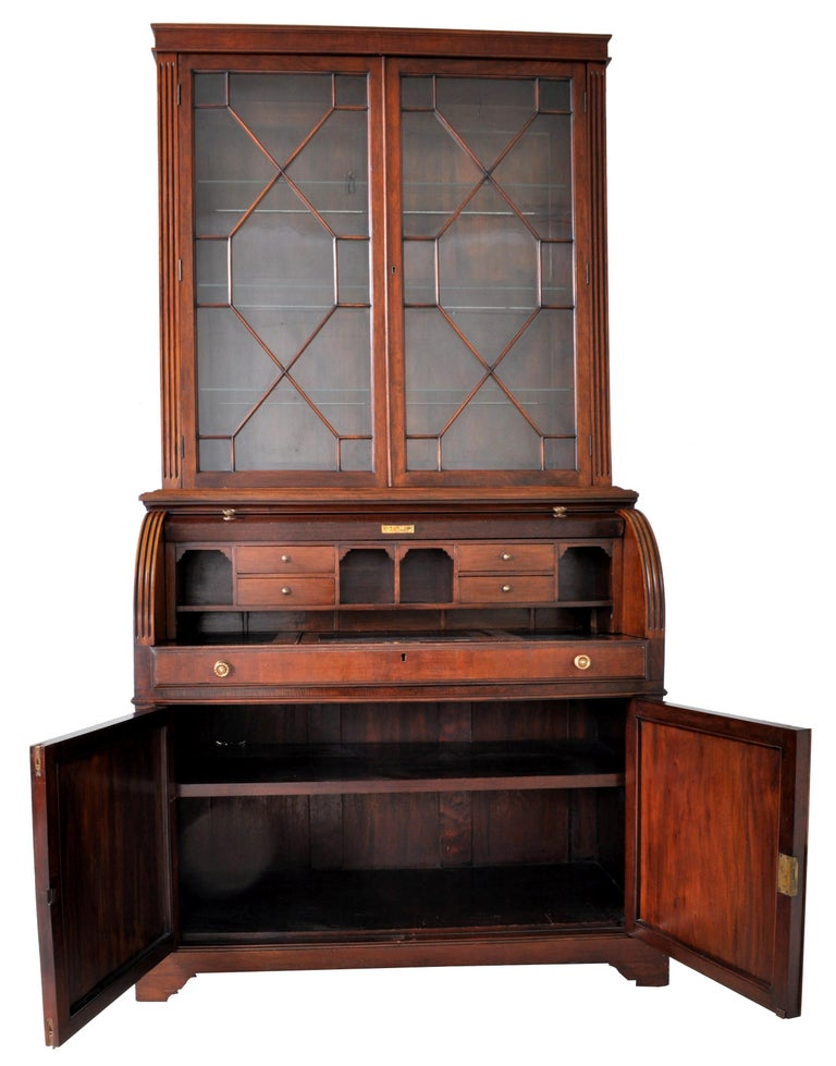 19th Century American Mahogany Cylinder Bookcase/Secretary/Desk, circa 1860 For Sale 8