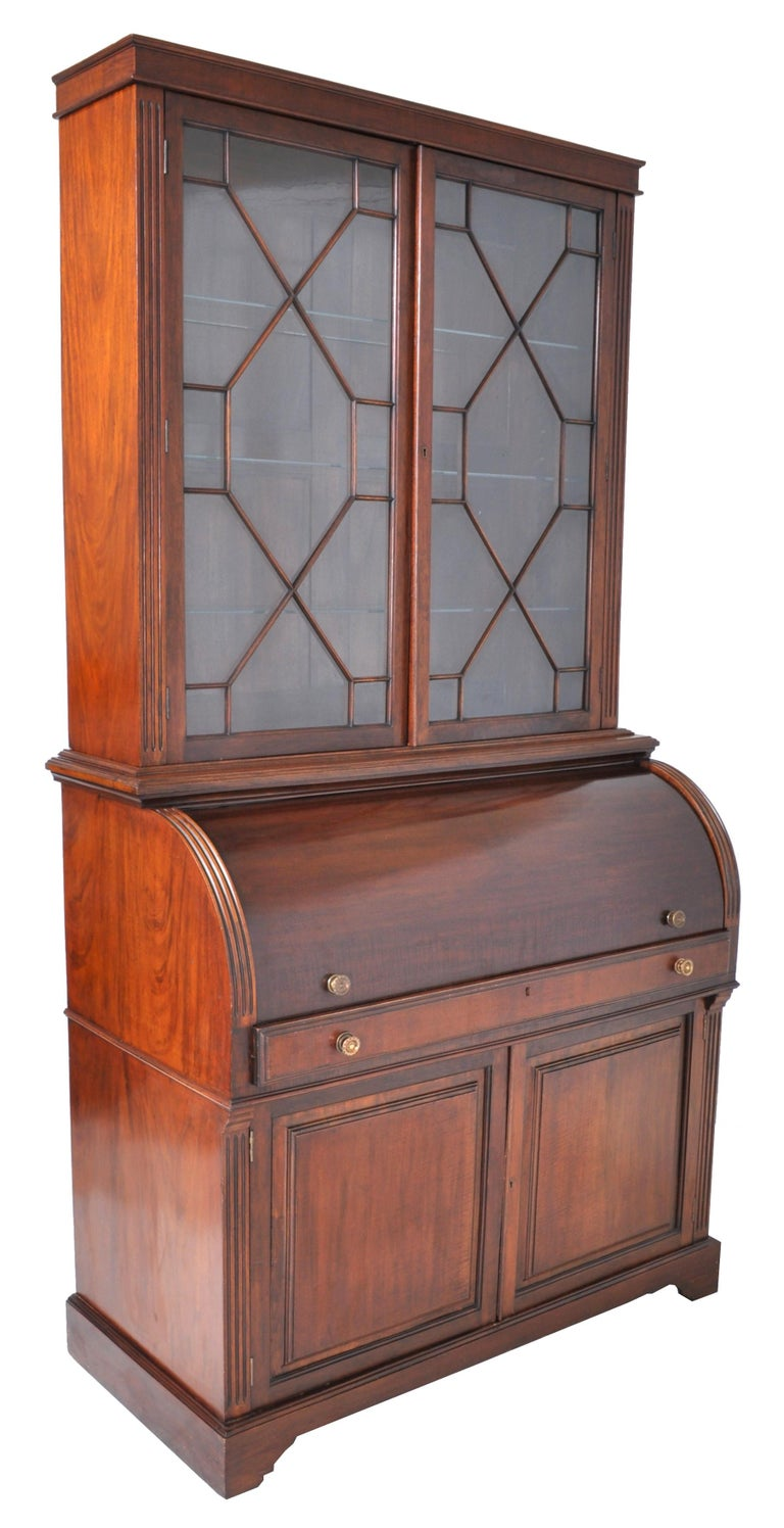 19th Century American Mahogany Cylinder Bookcase/Secretary/Desk, circa 1860 In Good Condition For Sale In Portland, OR