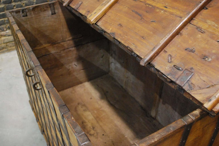 Antique 19th Century Anglo-Indian Haveli Trunk with Iron-Clad Fittings For Sale 5