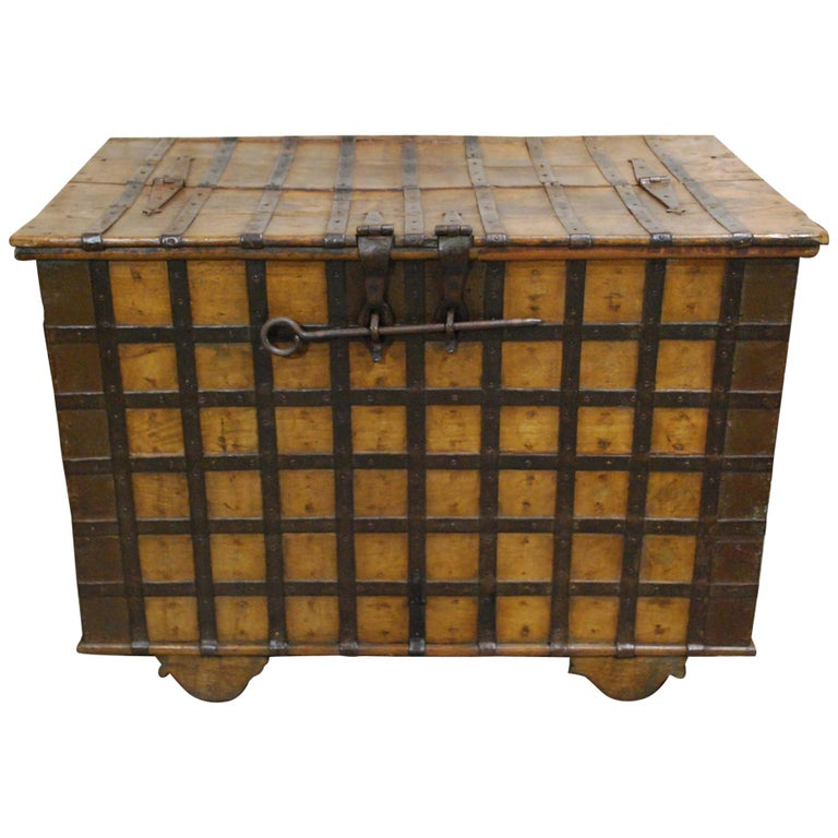 Antique 19th Century Anglo-Indian Haveli Trunk with Iron-Clad Fittings For Sale