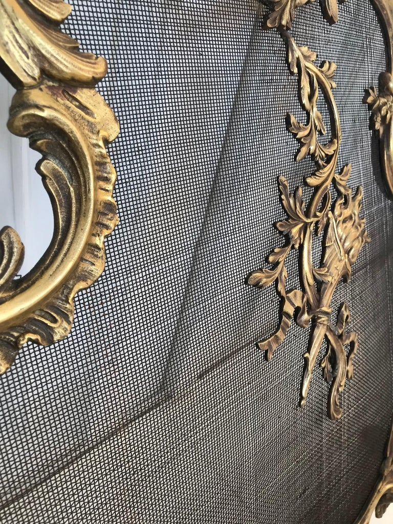 Antique 19th Century Bronze and Wrought Iron Firescreen with Mint Wire Mesh For Sale 3