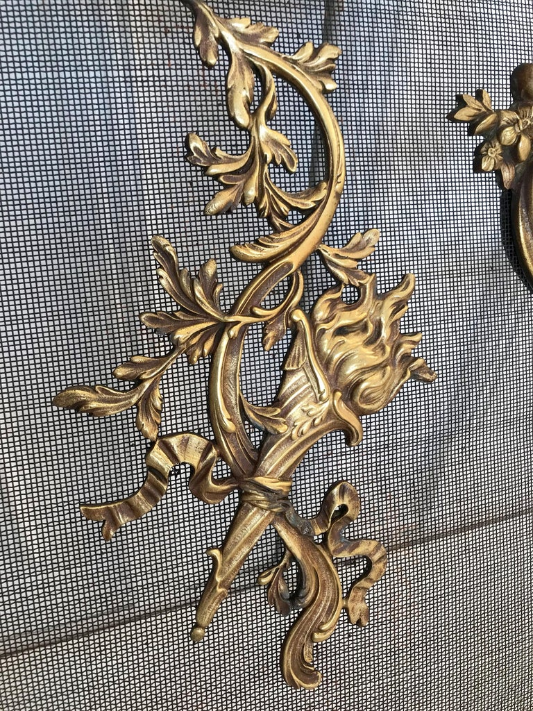 Hand-Crafted Antique 19th Century Bronze and Wrought Iron Firescreen with Mint Wire Mesh For Sale
