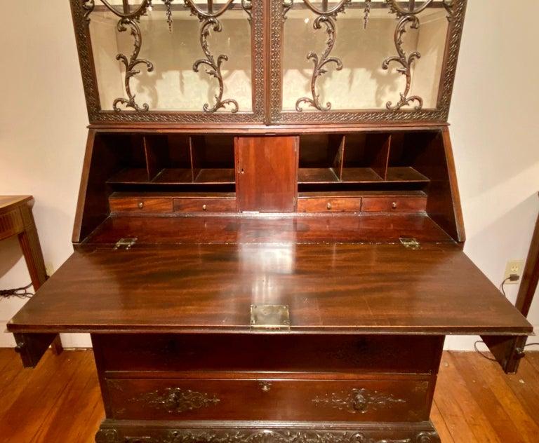 Antique 19th Century Carved Mahogany Secretary Bookcase, circa 1880-1890 In Good Condition For Sale In New Orleans, LA