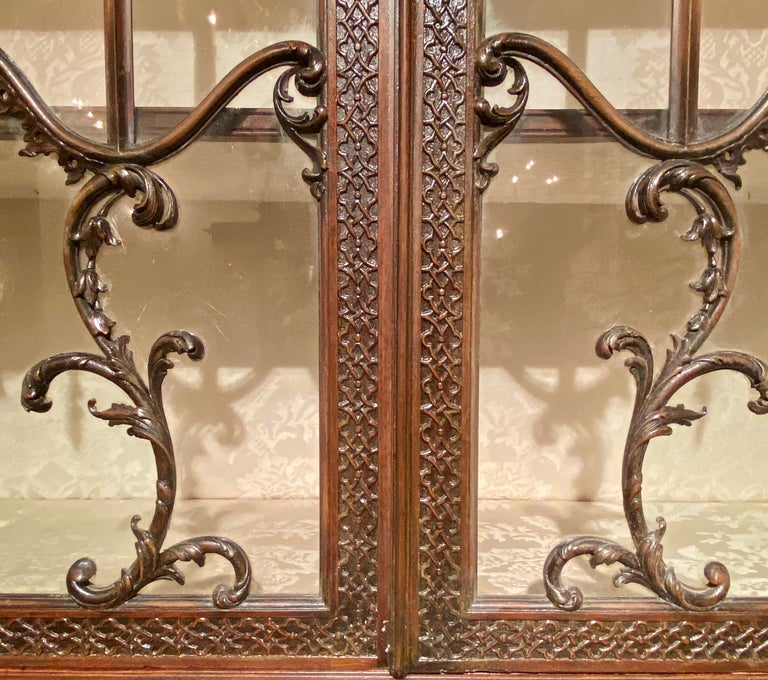 Antique 19th Century Carved Mahogany Secretary Bookcase, circa 1880-1890 For Sale 2