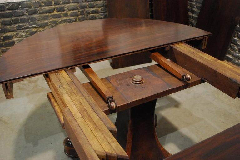Antique 19th century Dutch Empire Extendable Mahogany Dining Table For Sale 8