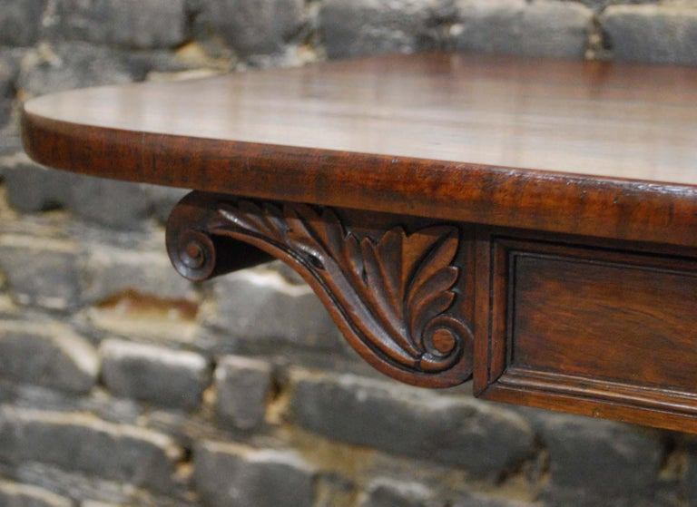 Antique 19th Century English Regency Flame Mahogany Occasional Table For Sale 1