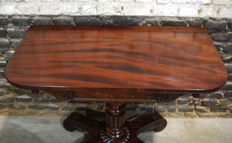 Antique 19th Century English Regency Flame Mahogany Occasional Table For Sale 2