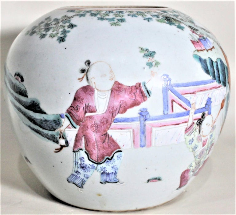 Antique 19th Century Hand Painted Chinese Porcelain Lidded Jar For Sale 5