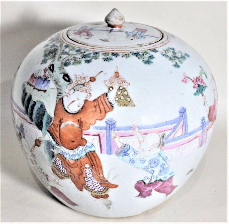 Antique 19th Century Hand Painted Chinese Porcelain Lidded Jar For Sale 6