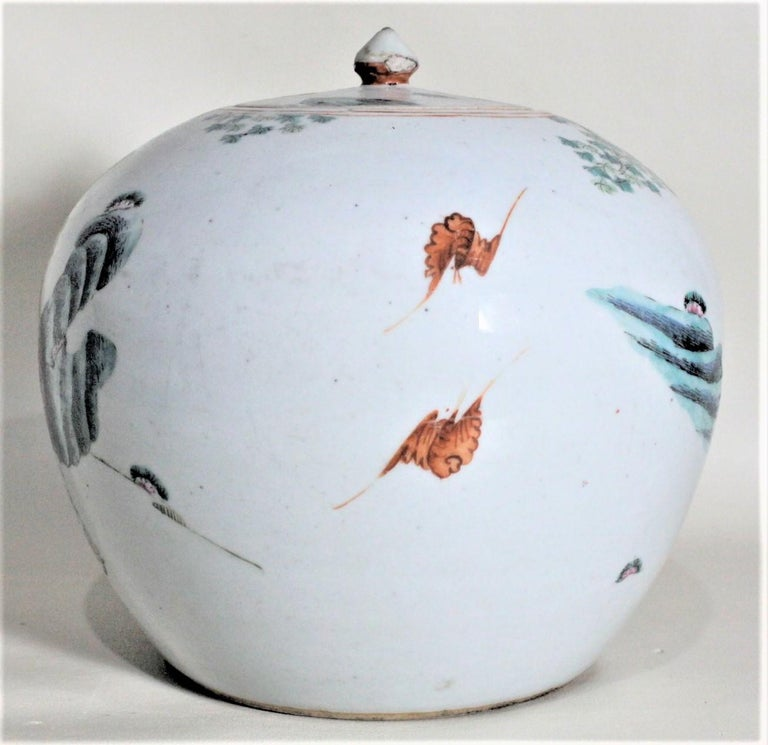 Chinese Export Antique 19th Century Hand Painted Chinese Porcelain Lidded Jar For Sale