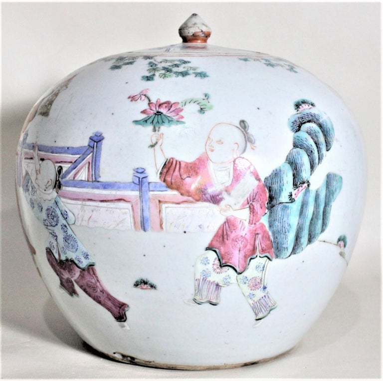Hand-Crafted Antique 19th Century Hand Painted Chinese Porcelain Lidded Jar For Sale