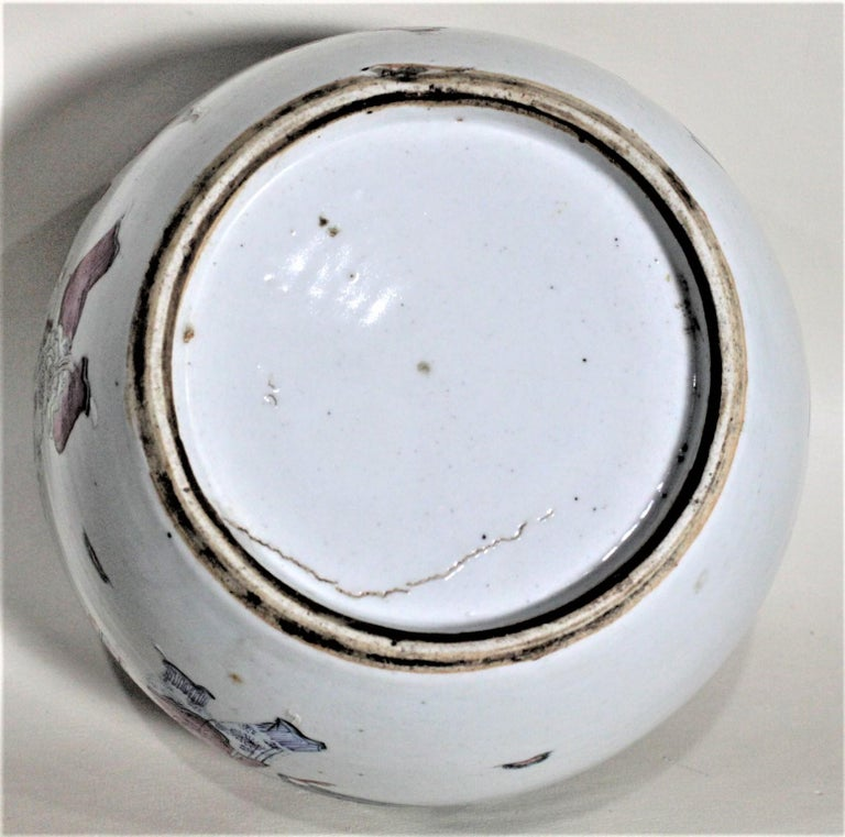 Antique 19th Century Hand Painted Chinese Porcelain Lidded Jar For Sale 3