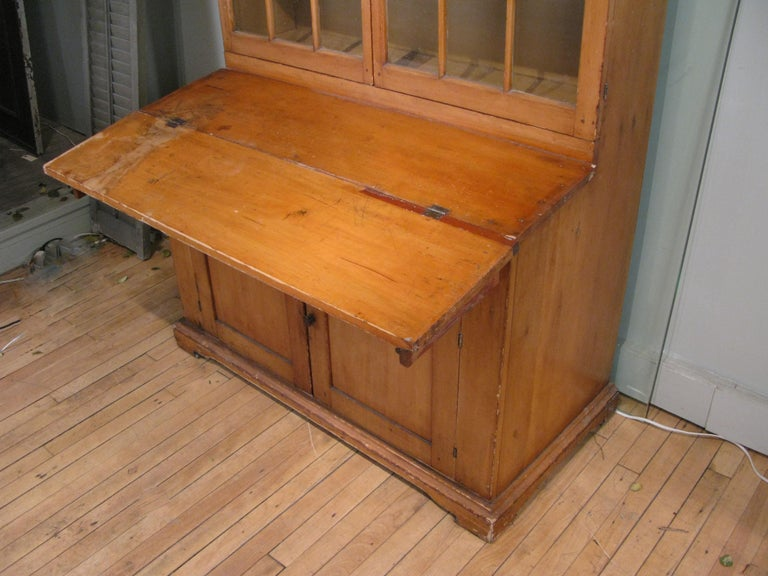 American Antique 19th Century Pine Secretary Bookcase Desk For Sale