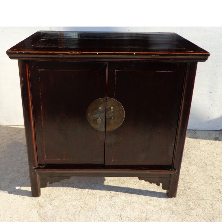 Antique 19th Century Qing Chinese Cabinet In Good Condition For Sale In Pasadena, TX