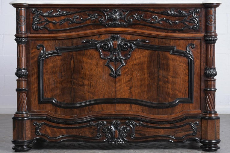 Beveled 19th Century Regency Chest of Drawers For Sale