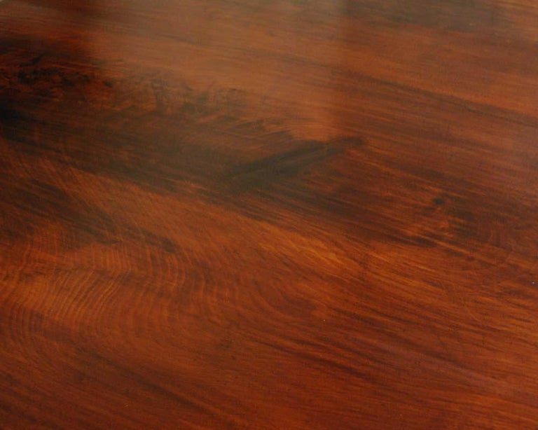 Dutch Antique 19th Century Round Mahogany Dining Table For Sale