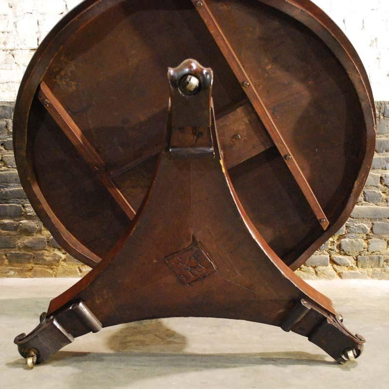 Antique 19th Century Round Mahogany Dining Table For Sale 3