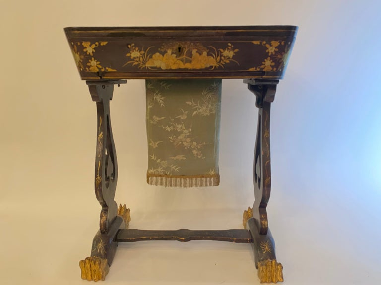 Antique 19th Century Small Chinese Lacquer Sewing Table For Sale 1