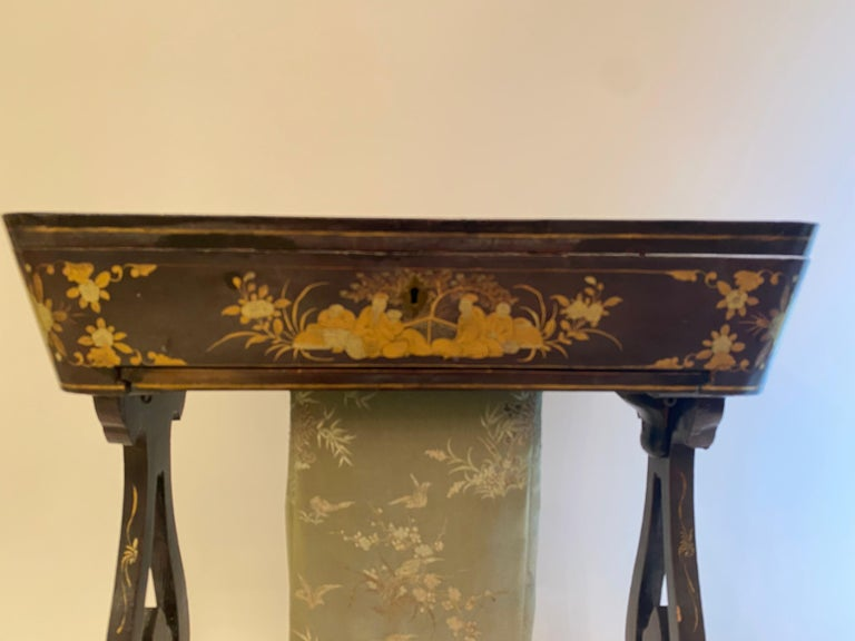 Antique 19th Century Small Chinese Lacquer Sewing Table For Sale 4