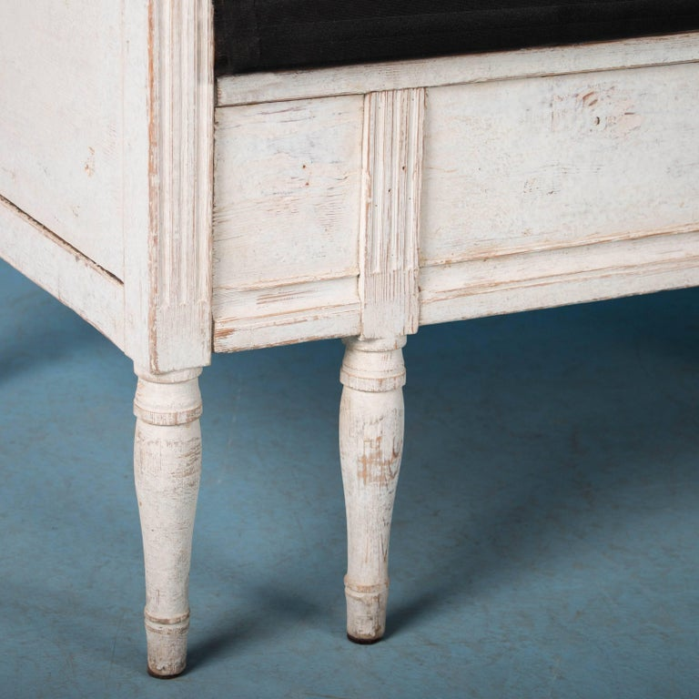 Antique 19th Century Swedish Gustavian Bench Painted White For Sale 3