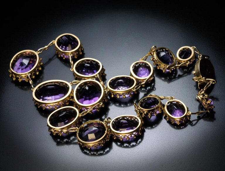 Antique 19th Century Victorian Amethyst Gold Necklace In Excellent Condition For Sale In Chicago, IL