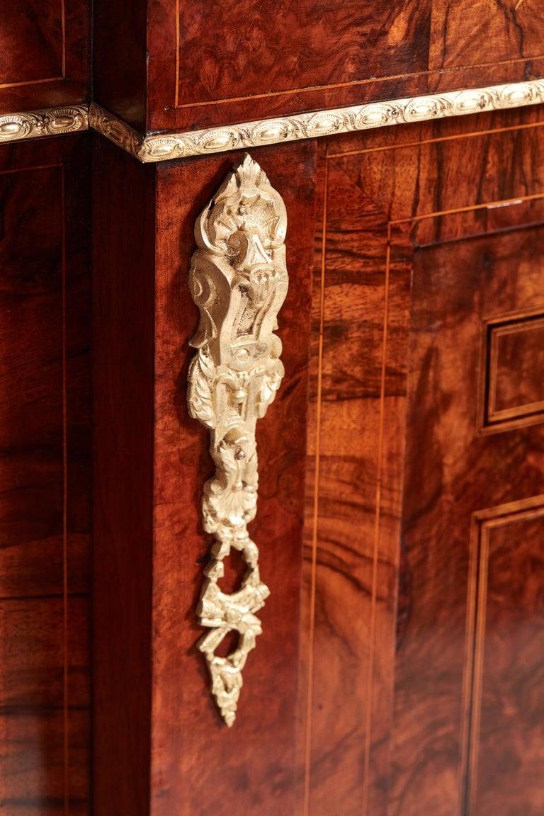 Antique 19th Century Victorian Burr Walnut Inlaid Credenza For Sale 1