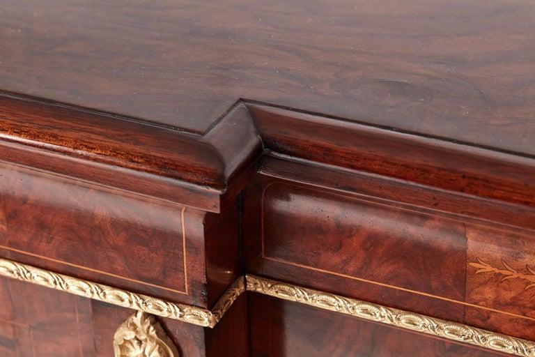 Antique 19th Century Victorian Burr Walnut Inlaid Credenza For Sale 4