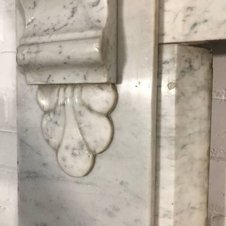 Antique 19th Century Victorian Carrara Marble Fireplace Surround For Sale 3