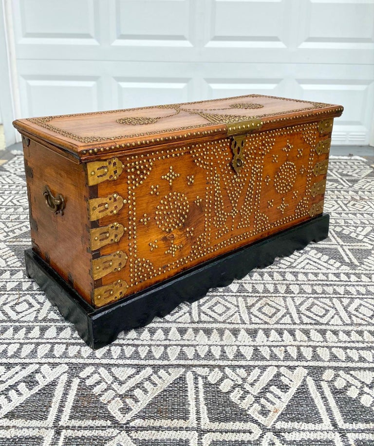 Tribal Antique 19th Century Zanzibar Chest in Teak Wood with Brass Overlay and Studs For Sale